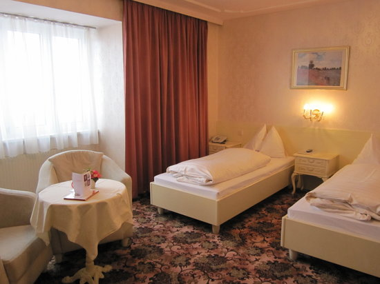 Pension Aviano: Twinbeddedroom