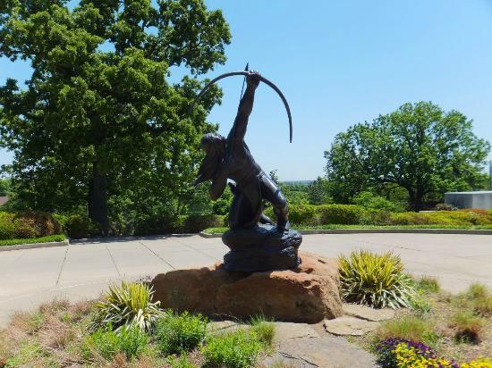 Gilcrease Museum: インディアンの彫像