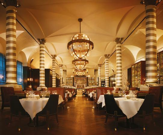 Corinthia Hotel London: Massimo Restaurant & Oyster Bar