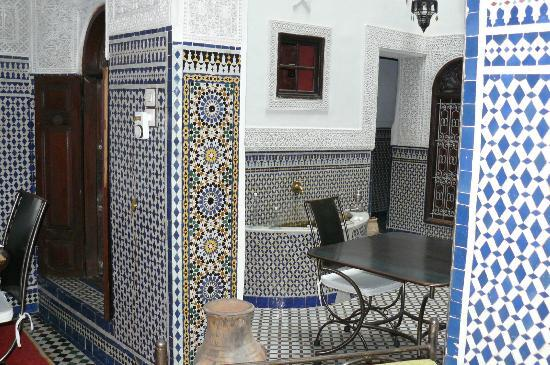 Riad Boujloud: la fontaine vue du salon