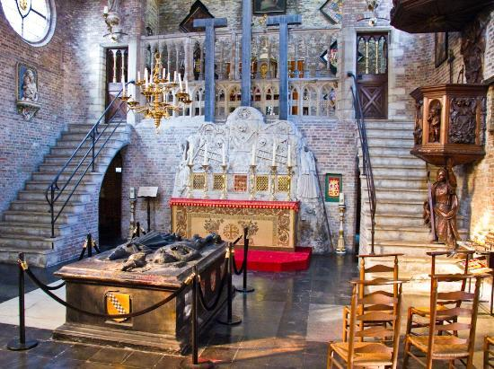 Jerusalem Church (Jeruzalemkerk): Nave of Jerusalen Church, Bruges