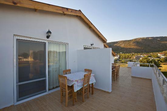 Iskandil Apart: terrace