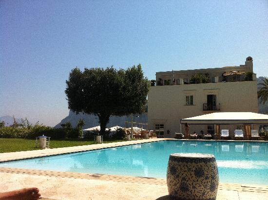 J.K. Place Capri: poolside