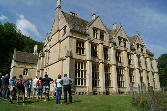 Stonehouse, UK: East front, with a tour just getting underway...