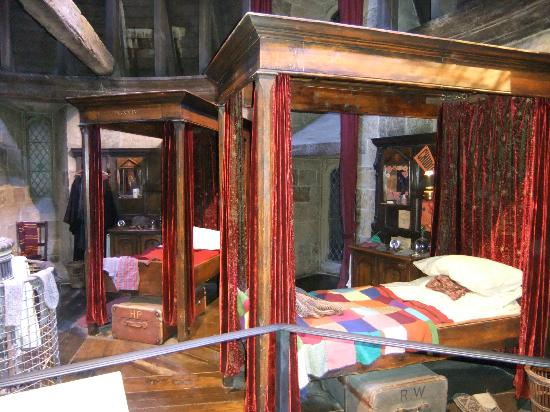Studio Tour London   The Making Of Harry Potter: Boys Griffindor Dorm Part 79