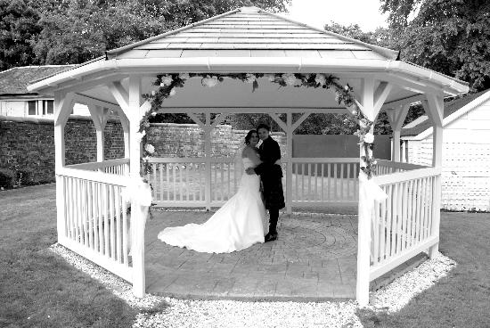 Number 10 Hotel: Picturesque Gazebo