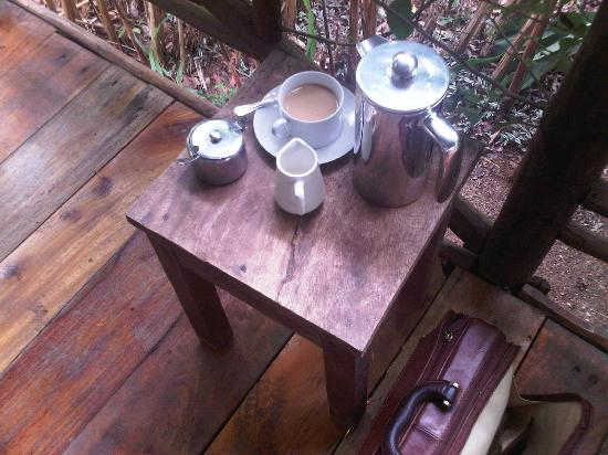Lagoon Resort: Amazing coffee on the front porch