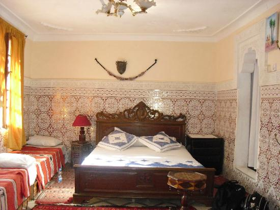 Riad Chennaoui: Beautiful bed, comfy