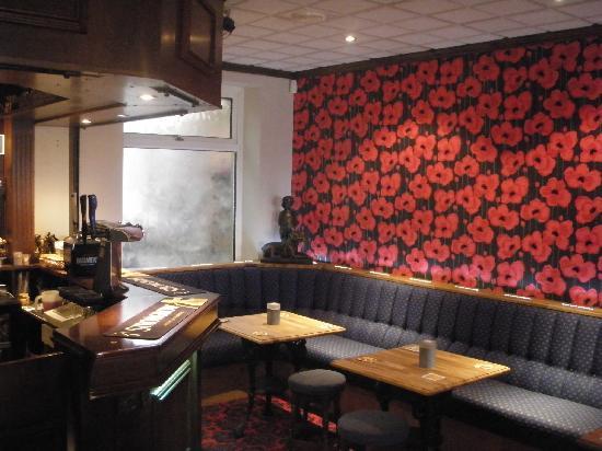 The Beverley Hotel: Bar