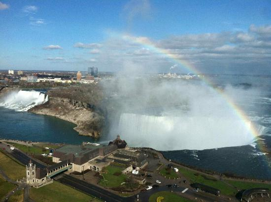 Niagara Falls Marriott Fallsview Hotel & Spa: Amazing view from our room on the 23rd floor