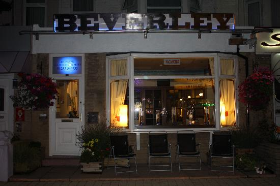 The Beverley Hotel: Hotel Front Night