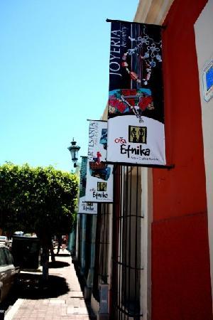 Casa Etnika : getlstd_property_photo