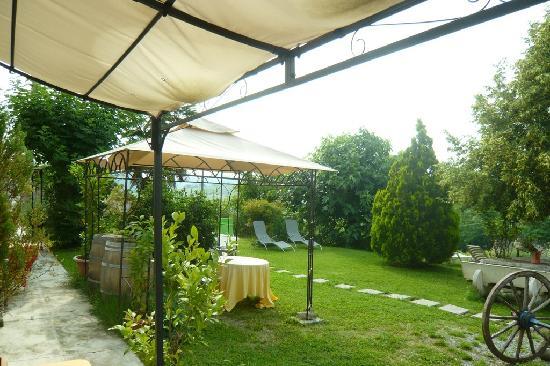 Agriturismo Il Rifugio: giardino