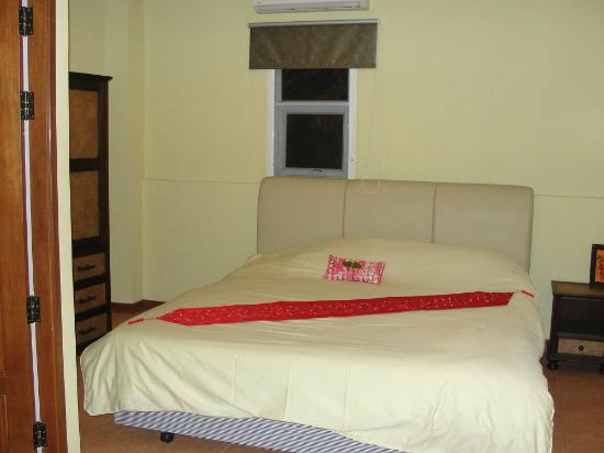 Central Guesthouse: Room