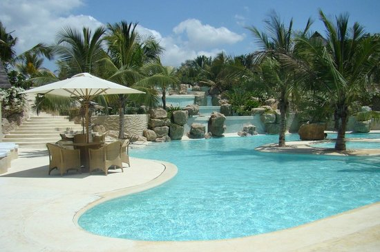 Swahili Beach Resort: pool 7