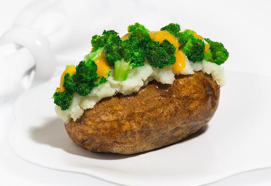 Good Earth Potato: Brocolli and Cheddar Potato