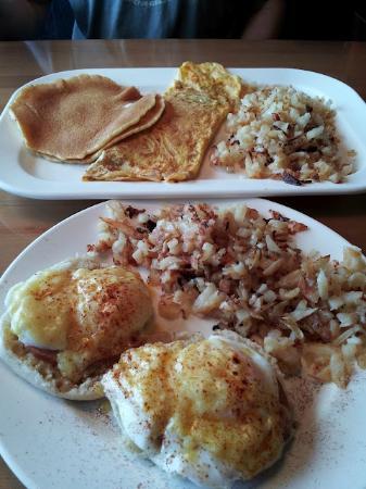 The Dunes Restaurant: Pancakes & omelet; Eggs Benedict