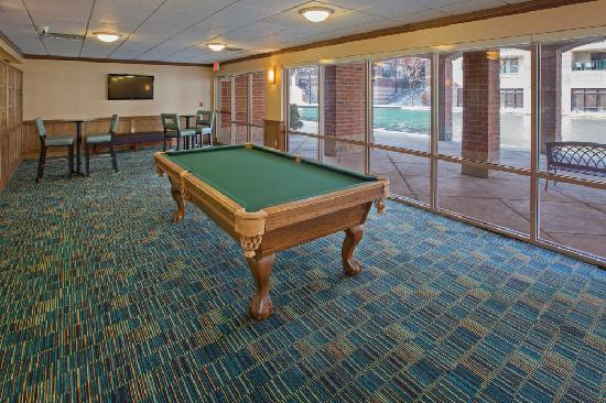 Residence Inn Indianapolis Downtown on the Canal: Lower Level Game Room