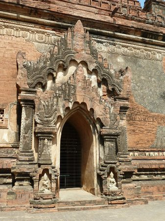 ティーローミィンロー寺院