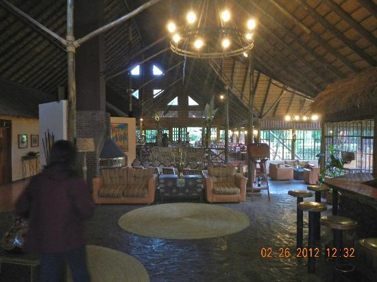 Arumeru River Lodge: Interior of main lobby