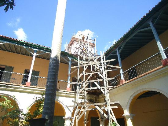 Convento De Santa Clara: Patio interior.