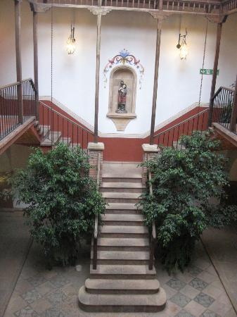 Parador Santa Maria la Real: Escaleras para subir a las habitaciones