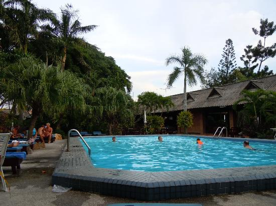 The Cottage: Pool