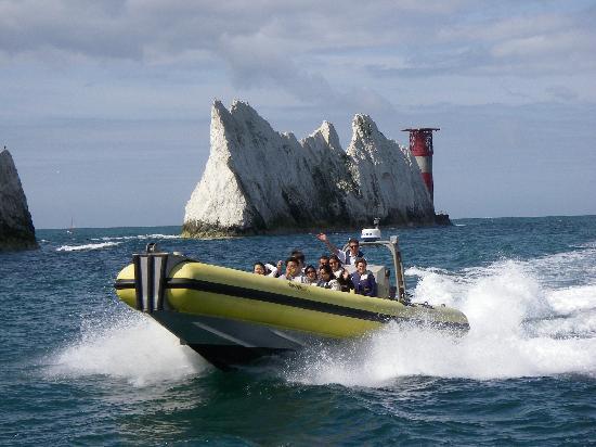 Needles Pleasure Cruises Ltd: Skye Rose on her way back from the Needles