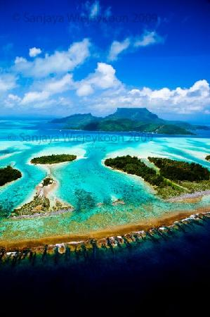 Tahiti-Helicopters Picture