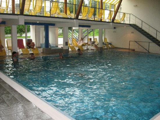 Hotel Tyrol: The Indoor pool