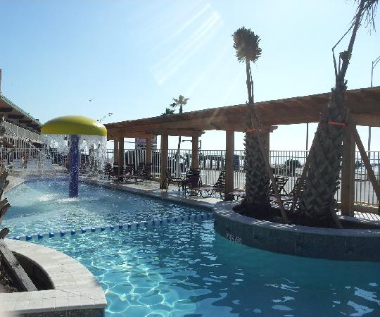 Gaido's Seaside Inn: Our Pool