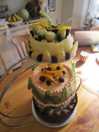 Tramezzini : 3 Tier Bespoke Cake