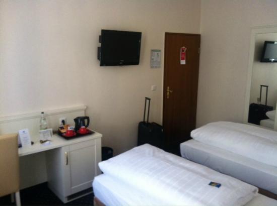 Hotel Fuerst Bismarck : the room