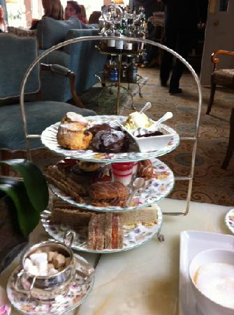 Summer Lodge: chocolate themed afternoon tea!