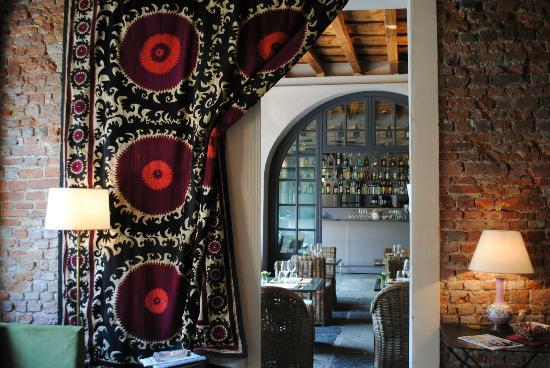 Hotel Maison Borella: Bar, restaurant, chilling area