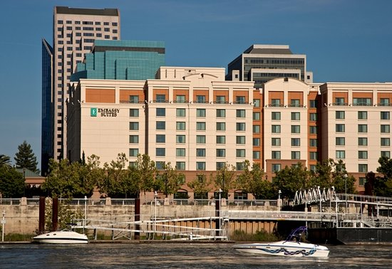 Embassy Suites by Hilton Sacramento - Riverfront Promenade: Hotel Exterior