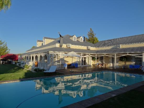 Klipheuwel Country House: Aussenansicht Pool