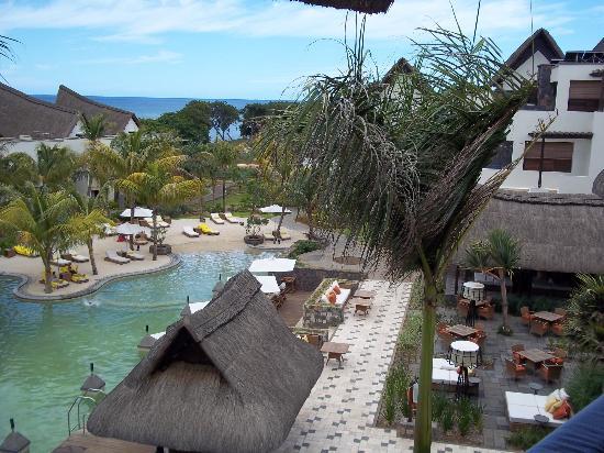 Angsana Balaclava Mauritius: Salt Water Lagoon and outdoor Dining area