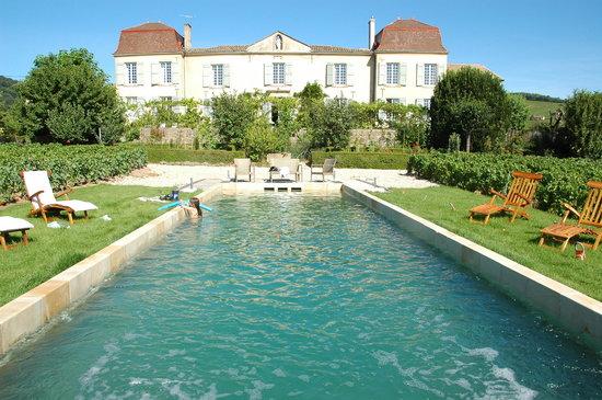 Chateau Lambert: Vue du Chateau depuis le jardin