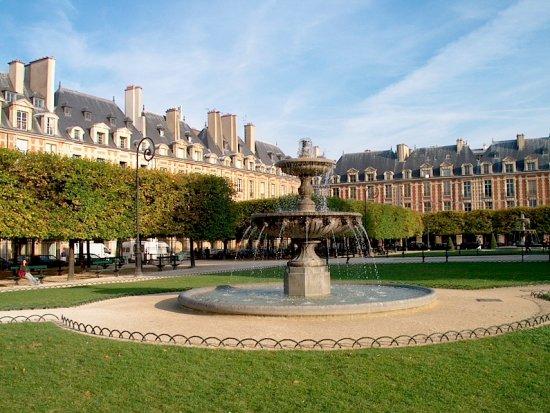 Esprit de Paris: place des Vosges