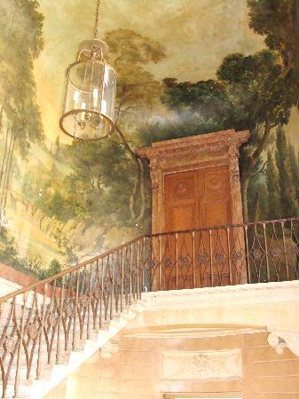Esprit de Paris: staircase in the Marais
