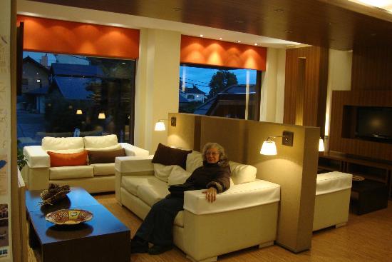 Hotel Carlos V Patagonia Bariloche: Living
