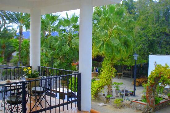 Villas Santo Niño: Terrace overlooking the beautiful Santo Nino grounds.