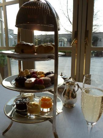 Seasons Restaurant : Afternoon tea