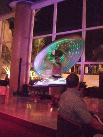 Hotel Riu Tikida Beach : Traditional Spinning Man