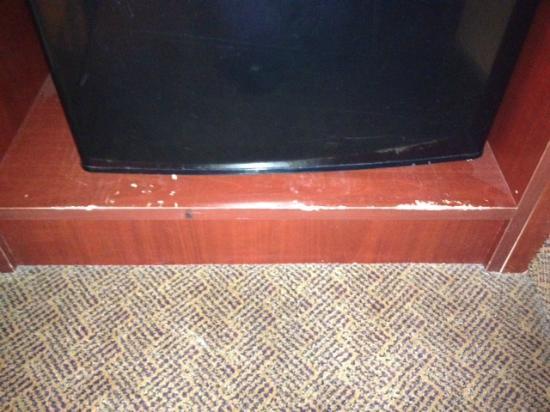 Radisson Hotel Red Deer : Furniture needs TLC