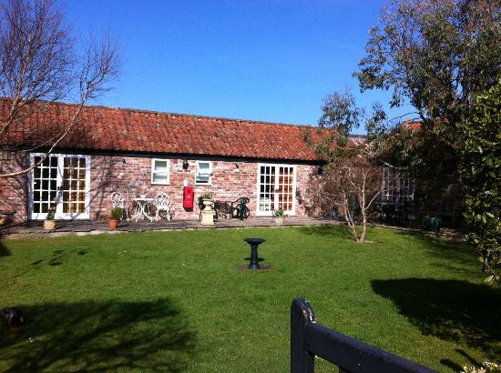 Yew Tree House : View of the garden rooms