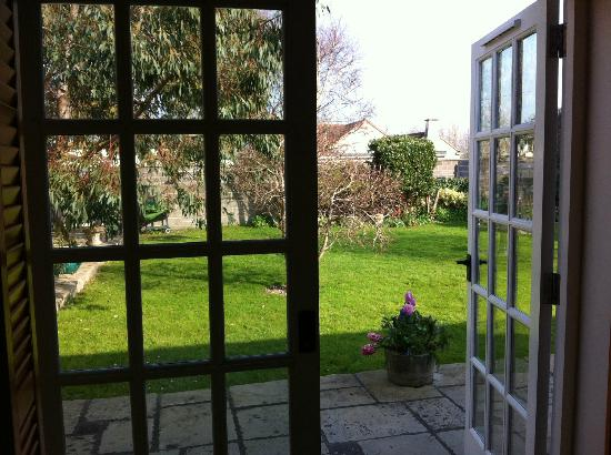 Yew Tree House : The view of the courtyard from our room