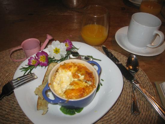 Oak Knoll Inn: Baked Eggs (I ate the rest of the decoration!)