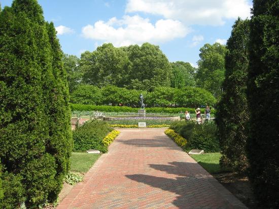 Memphis Botanic Garden: Iris Garden